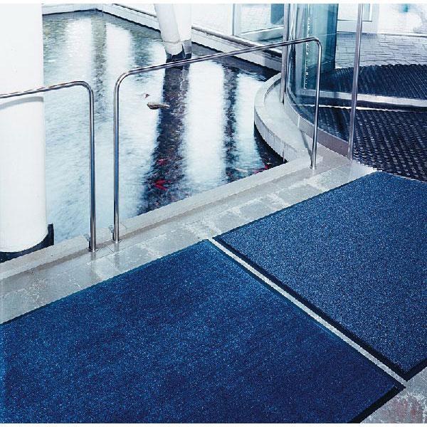 Tapis de protection tapis pour escaliers mat pour for Tapis antiderapant pour escalier