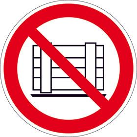 Verbotsschild Abstellen oder Lagern verboten