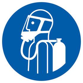 Gebotsschild Umgebungsluftunabhängigen Atemschutz benutzen