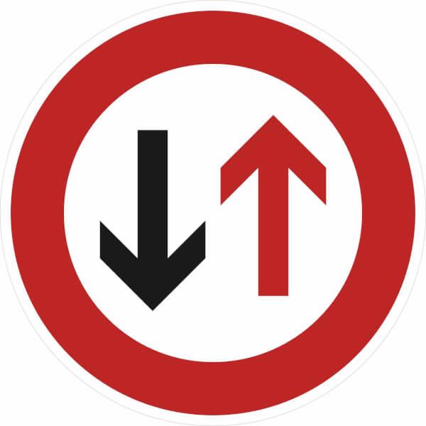 verkehrszeichen  stvo dem gegenverkehr vorrang gewähren
